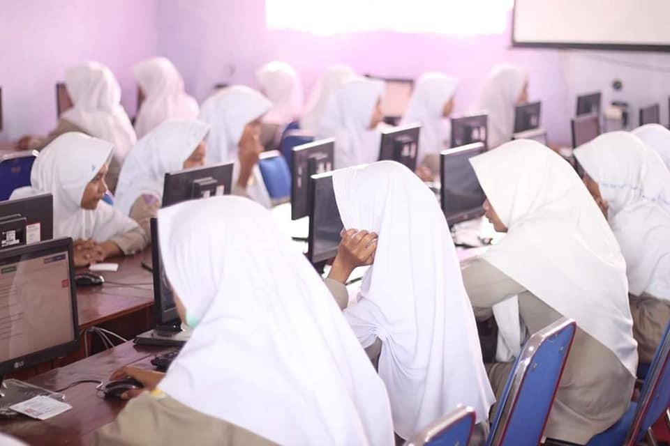 Ujian Nasional Berbasis Komputer 2019 SMK PGRI Jatibarang Berlangsung Lancar
